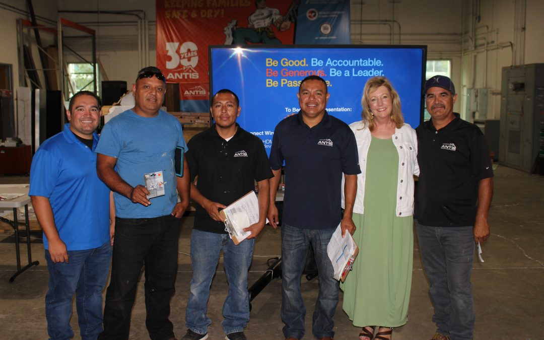 Edgar Sanchez – Roofing Technician